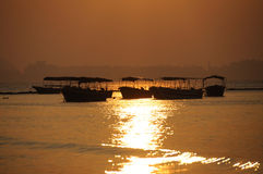 восход солнца моря шлюпок Стоковое фото RF