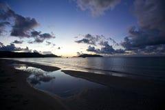 восход солнца cloudscape пляжа Стоковое Фото
