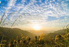 Восход солнца в ландшафте 2 гор стоковые изображения rf