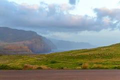 Восход солнца в горах и океане на острове Мадейры, Португалии Стоковые Изображения
