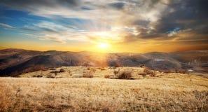 Восход солнца в горах стоковое фото