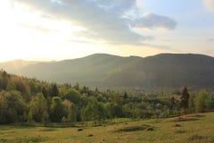 восход солнца в горах Yaremche Стоковое фото RF
