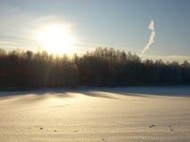 Восход солнца в зиме Стоковые Изображения