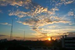 Восход солнца в обычном утре, Бангкоке, Таиланде стоковая фотография