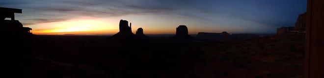 Восход солнца в долине памятника, панорама Стоковая Фотография RF