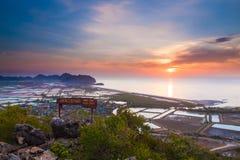 Восход солнца в утре моря Таиланда стоковое изображение rf