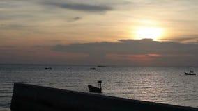 Восход солнца захода солнца в взгляд seascape море, океане Азии акции видеоматериалы