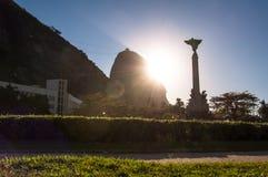 Восход солнца за горой Sugarloaf стоковое изображение
