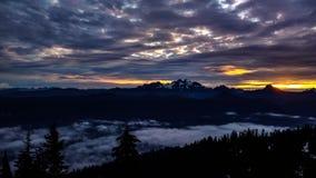 Восход солнца каскада Стоковые Фото