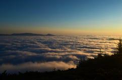 восход солнца красивейшей весны природы лужка иллюстрации положительной солнечный Стоковые Изображения