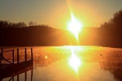 восход солнца красивейшей весны природы лужка иллюстрации положительной солнечный Стоковые Фотографии RF