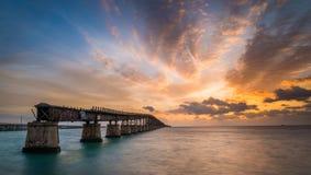 Восход солнца моста стоковая фотография