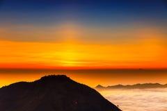 Восход солнца на верхней части вулкана Batur горы/Бали, Индонезии Стоковые Изображения RF