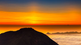 Восход солнца на верхней части вулкана Batur горы/Бали, Индонезии Стоковая Фотография RF