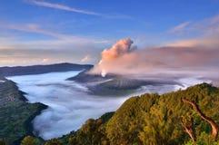 Восход солнца на вулкане Bromo держателя Стоковая Фотография