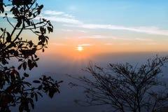 Восход солнца на горе - изображение утра запаса Стоковое Изображение RF