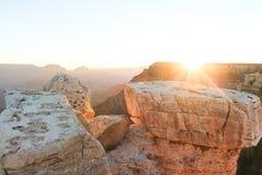 Восход солнца на грандиозном каньоне стоковые фотографии rf