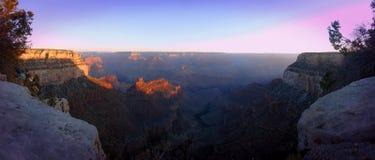 Восход солнца над грандиозным каньоном Стоковые Изображения RF