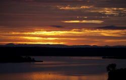 Восход солнца над каналом Kazinga вышесказанного Уганда стоковые фотографии rf