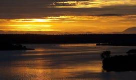 Восход солнца над каналом Kazinga вышесказанного Уганда стоковые фото