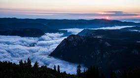 Восход солнца над каньоном Стоковое Изображение