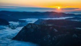 Восход солнца над каньоном Стоковые Фотографии RF