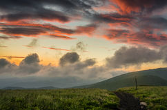 Восход солнца над круглое облыселым Стоковые Изображения RF