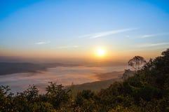Восход солнца на к северу от Таиланде в провинции Nan стоковые фото