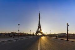 Восход солнца на мосте Iena над Парижем Стоковые Фото