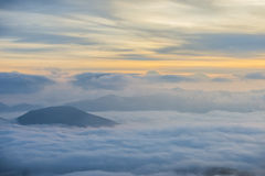 Восход солнца над облаками, держатель Cucco, Умбрия, Apennines, Италия Стоковое Изображение