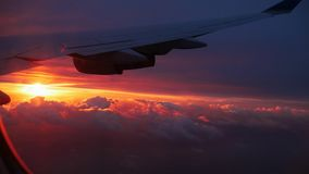 Восход солнца над облаками от самолета Стоковое Изображение RF
