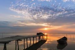 Восход солнца на озере Стоковые Изображения RF