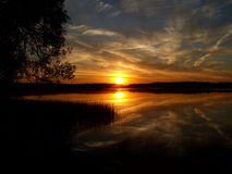 Восход солнца над озером 15 Стоковое Изображение