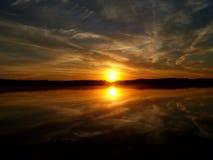 Восход солнца над озером 4 Стоковая Фотография