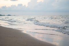 Восход солнца над пляжем Стоковое Изображение RF