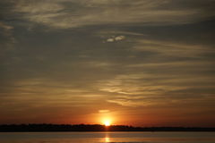 Восход солнца над пляжем Conimicut Стоковые Фото
