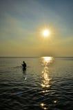 Восход солнца на пляже в Таиланде Стоковое фото RF