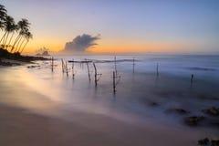 Восход солнца на пляже в Шри-Ланке стоковые фото