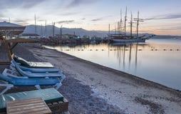Восход солнца на северном пляже Eilat Стоковые Фотографии RF
