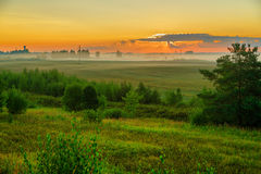 Восход солнца над лужком Стоковая Фотография RF