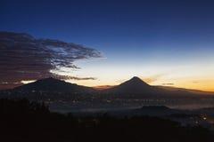 Восход солнца над Borobodur стоковые изображения