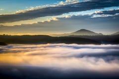 Восход солнца над d'Orcia Val Стоковое Фото