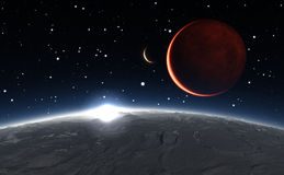 Восход солнца над Phobos с красной планетой Марсом на заднем плане Стоковые Изображения RF