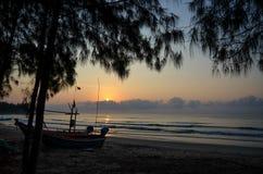 Восход солнца на Prachuapkhirikhan Стоковая Фотография RF