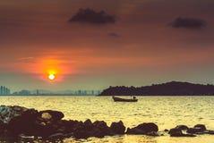 Восход солнца на @Thailand Larn Koh Стоковое Изображение RF