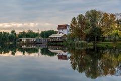 Восход солнца озером Стоковое Изображение