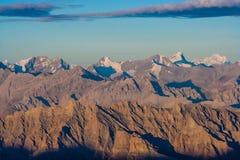 Восход солнца от взгляда Stok Kangri - Magnificient к Гималаям Стоковые Изображения RF