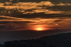 Восход солнца от замка Tolstejn в горах Luzicke Стоковые Изображения RF