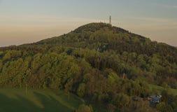 Восход солнца от замка Tolstejn в горах Luzicke Стоковые Фото