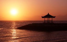 Восход солнца от моря Стоковые Фото
